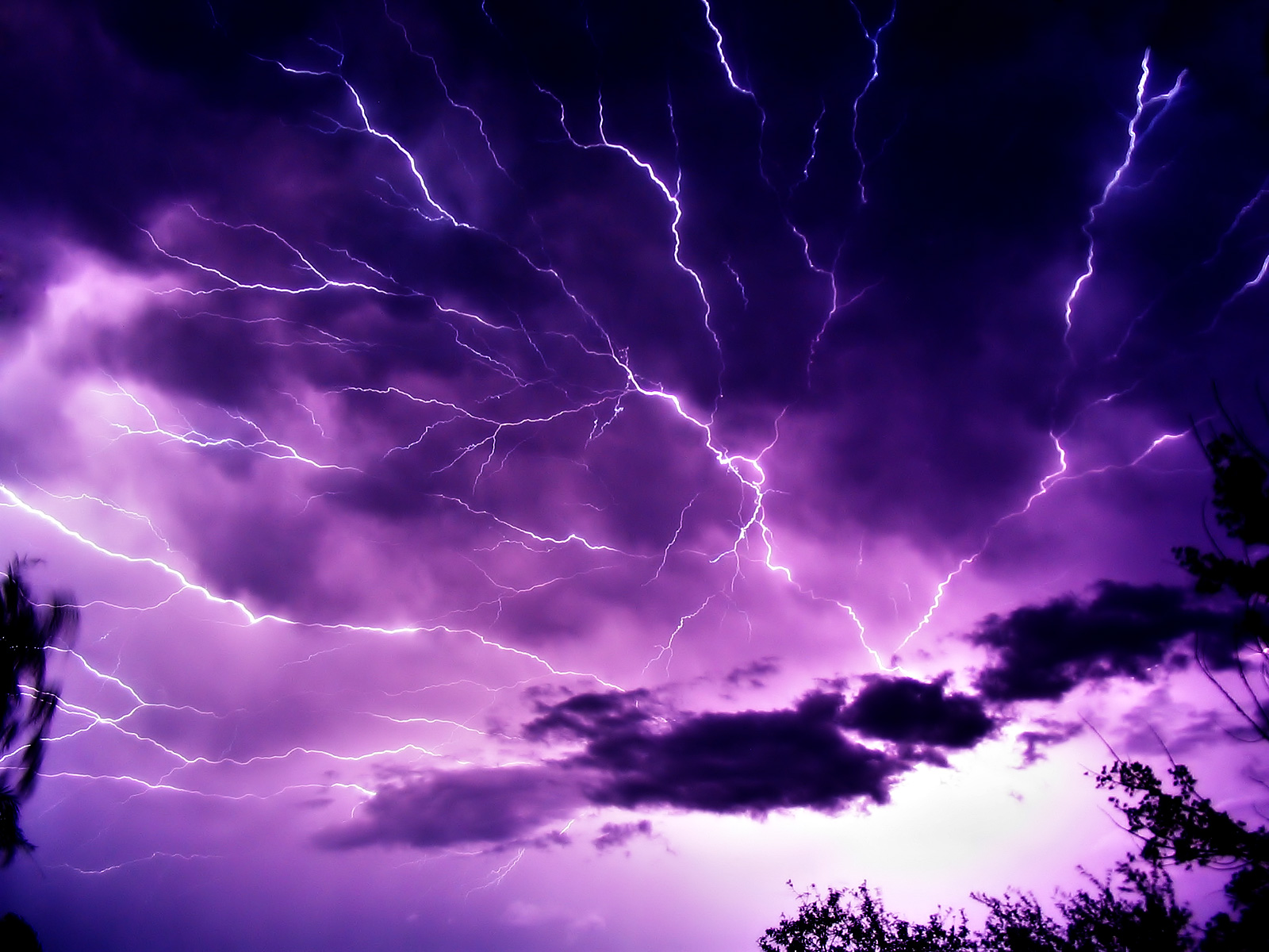 Wallpapers   HD Desktop Wallpapers Online Lightning Strikes 1600x1200