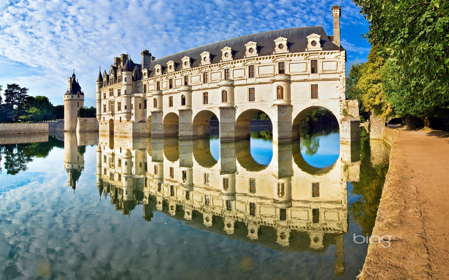 Loire Valley homes of agricultural water castle wallpaper Cable 1440x900