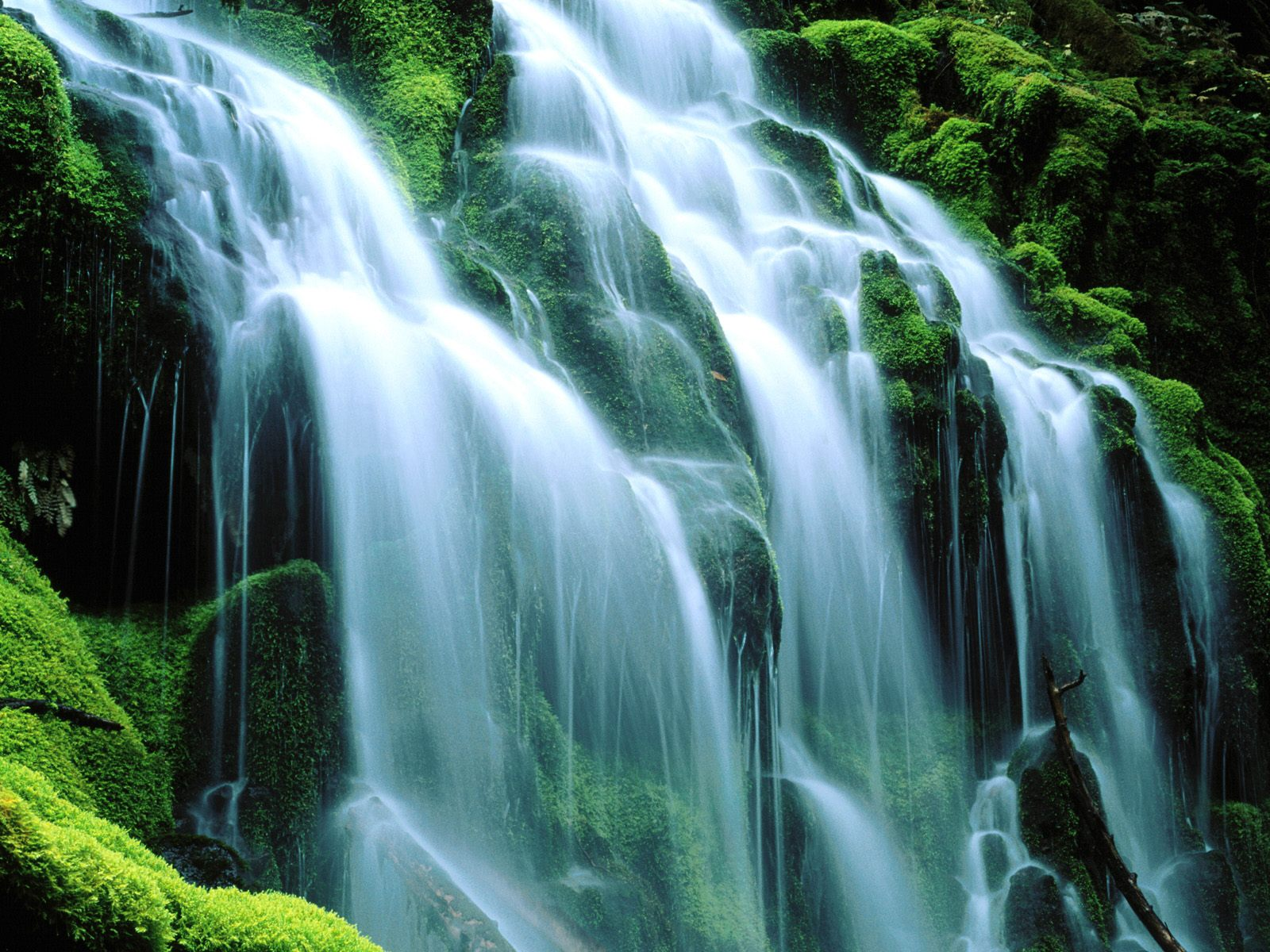 HD widescreen wallpapers New Desktop Waterfall Wallpapers 1600x1200