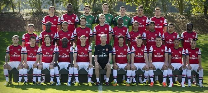 cropped arsenal first team squad arsenal 2012 13 season wallpaper 668x298