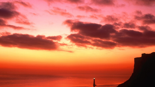 Wallpaper beacon light england water evening sky 640x360