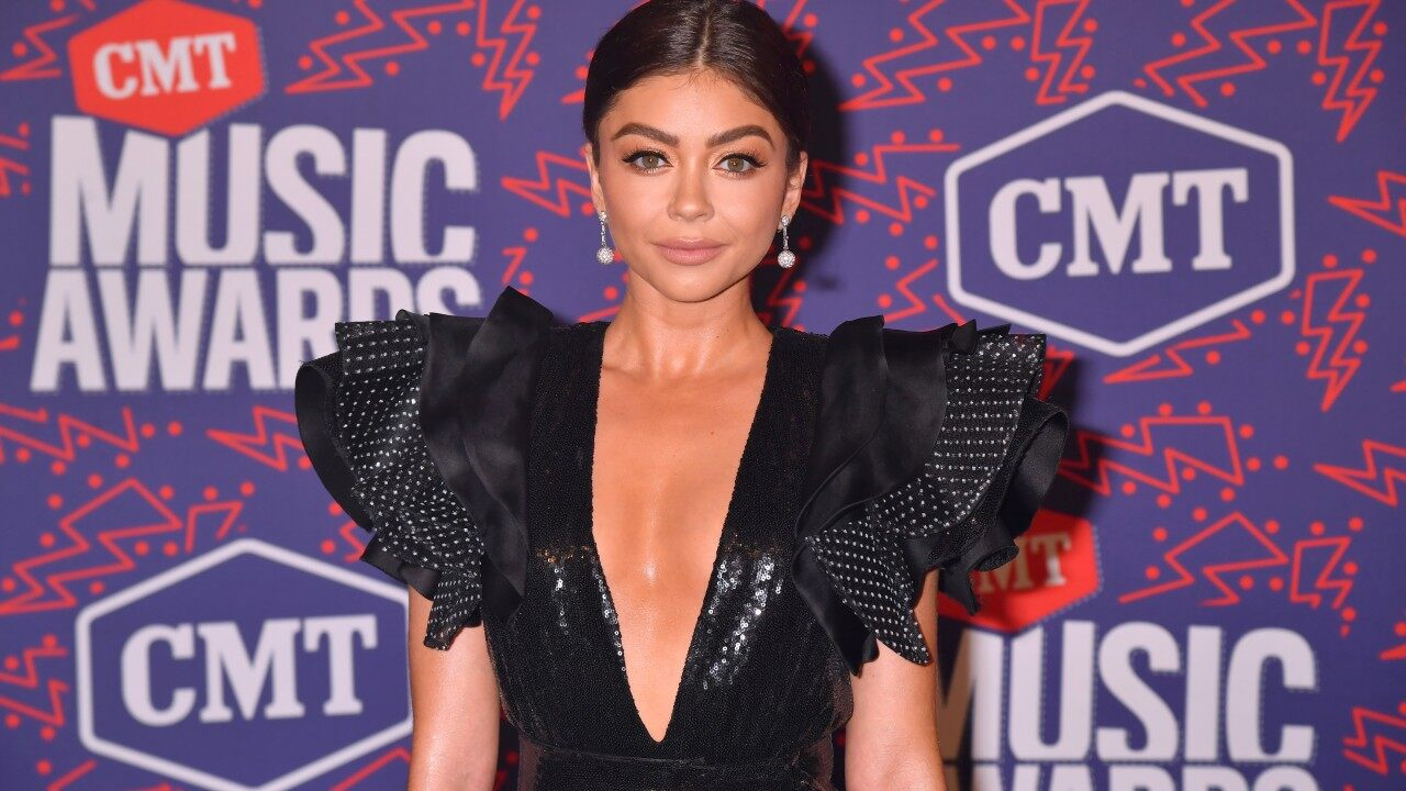 CMT Music Awards 2019 Sarah Hyland Shines in Plunging Black Mini 1280x720