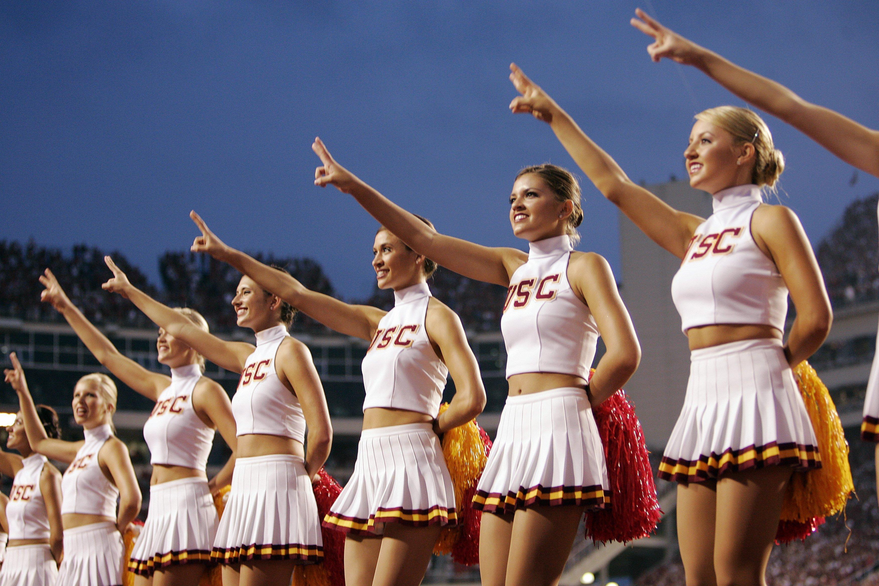 College football cheerleader gk wallpaper 3504x2336 159682 3504x2336