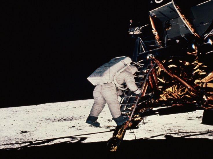 moon astronaut man nasa america mission apollo wallpaper background 736x552