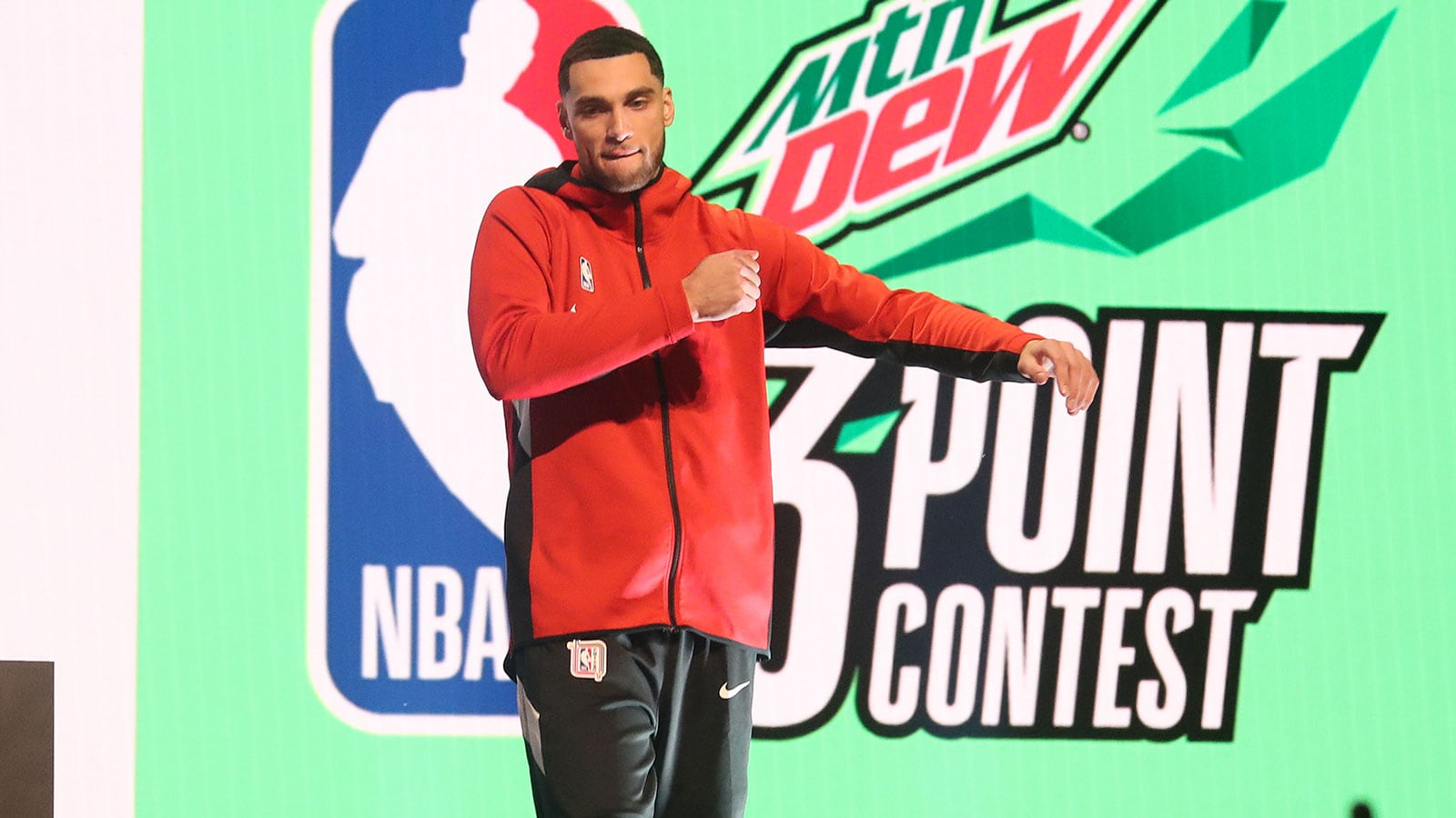 Zach LaVine has respectable showing in All Star 3 point contest 1600x900