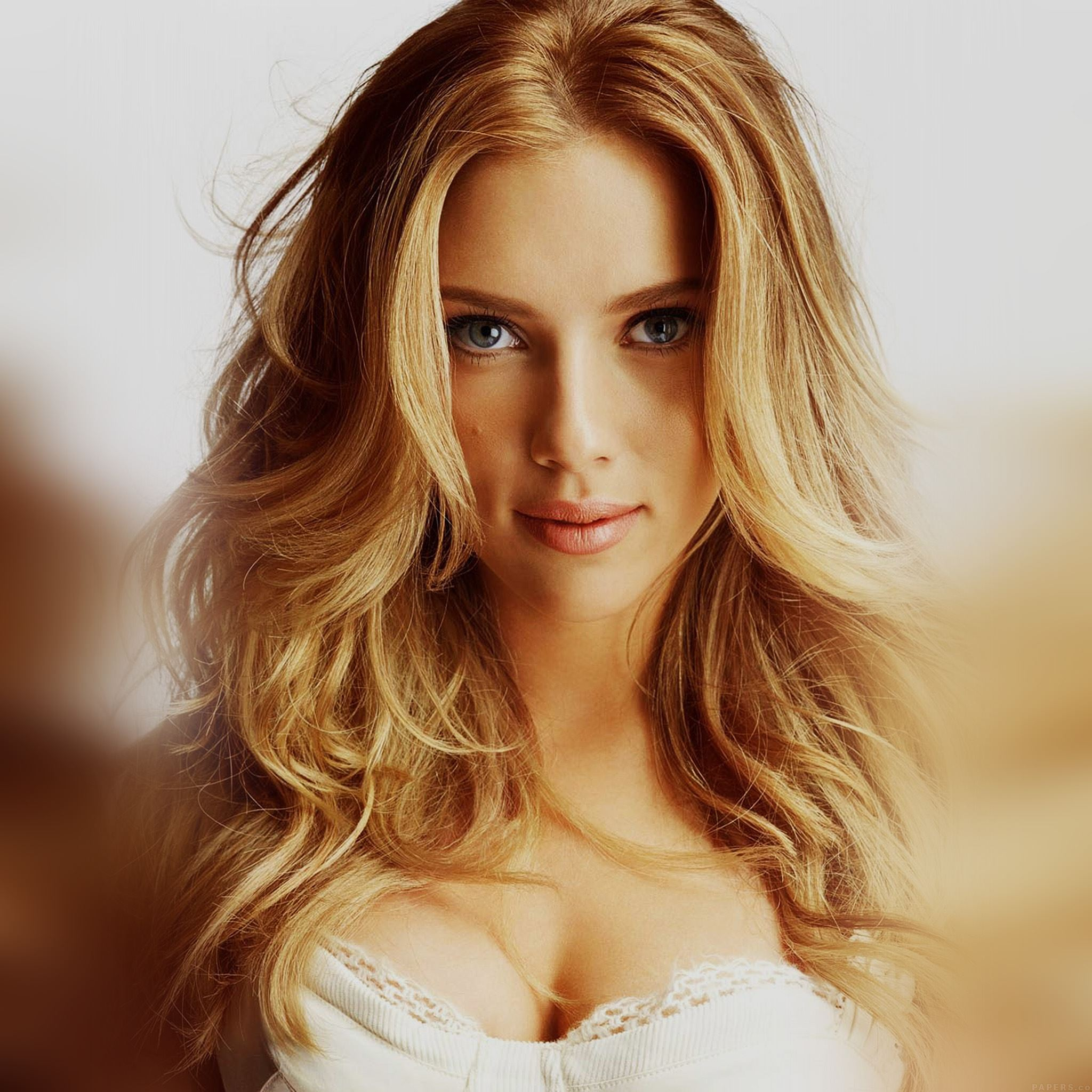 Scarlett Johansson Smile Sexy Celebrity iPad Air Wallpapers 2048x2048