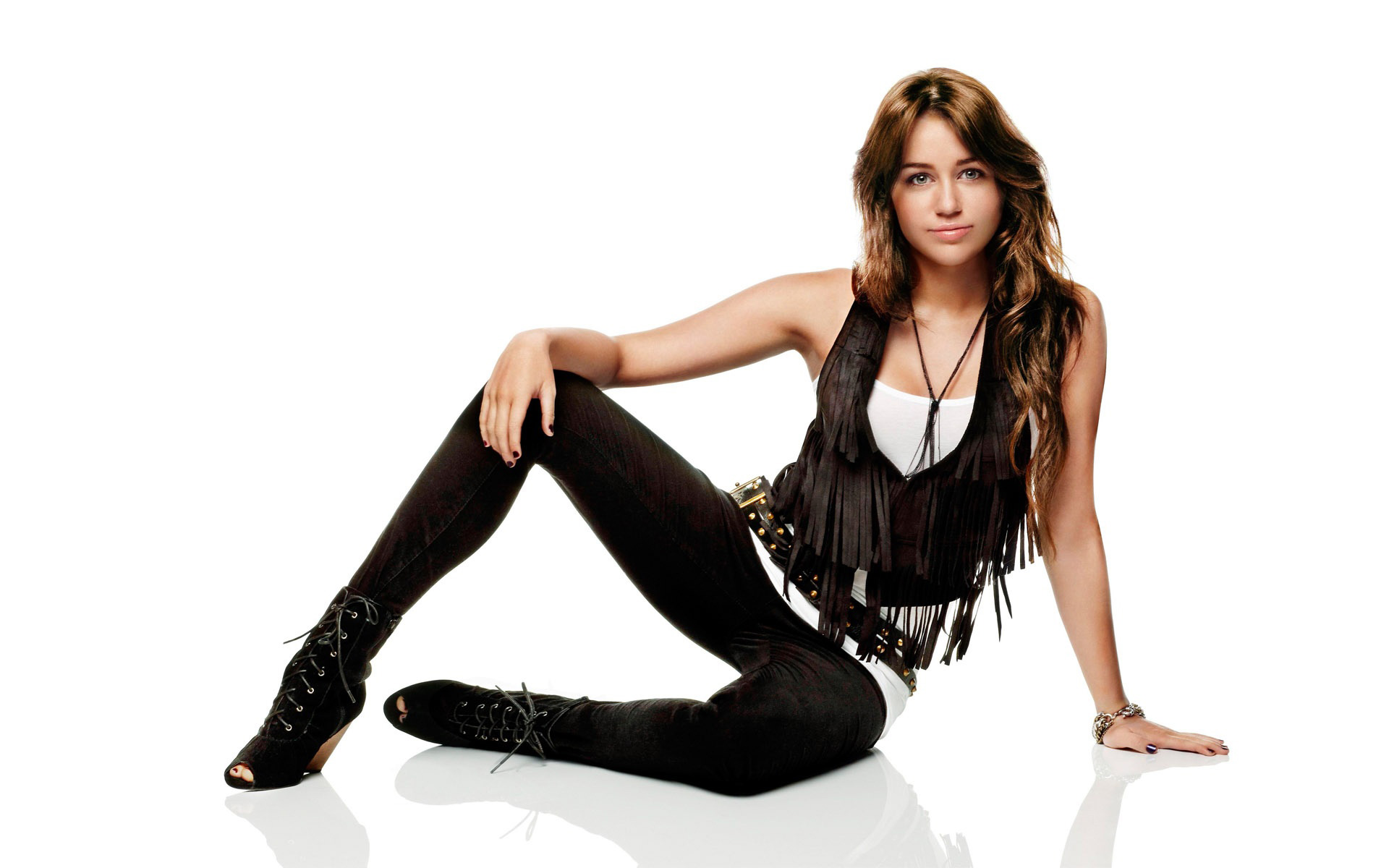 Miley Cyrus New Photoshoot Wallpapers HD Wallpapers 1920x1200
