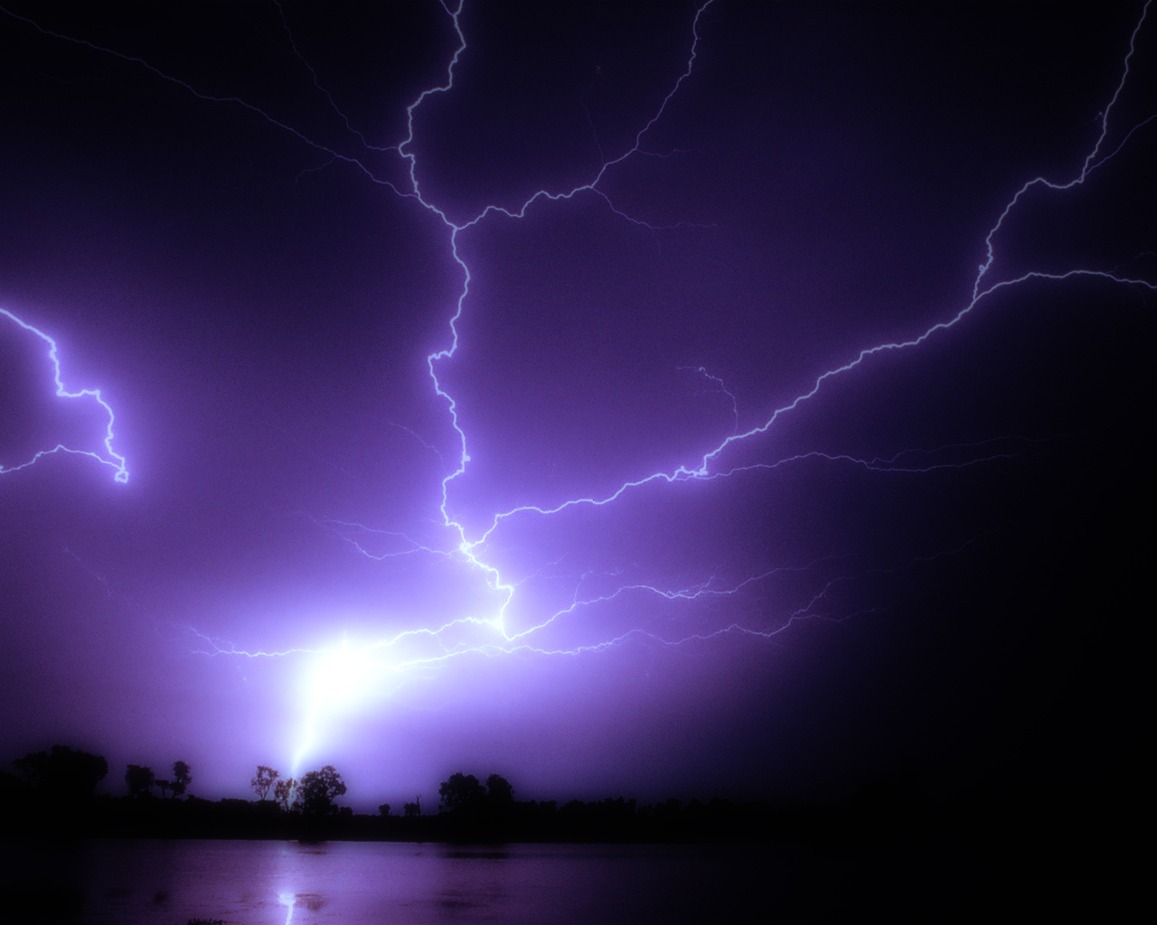 lightning strike Wallpaper Background 37154 1280x1024