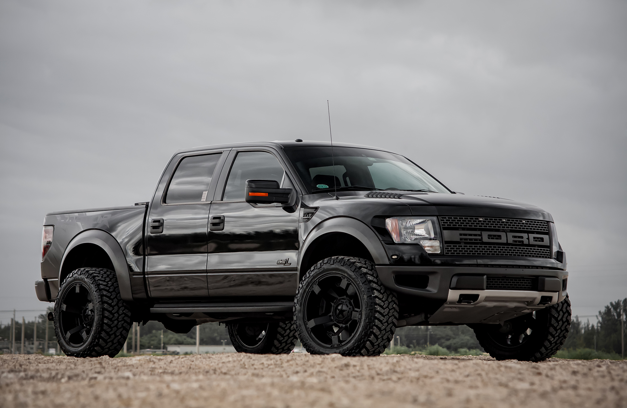 Ford F 150 2015 Raptor 2015 Ford Raptor SVT Black Custom HD Wallpaper 2000x1303