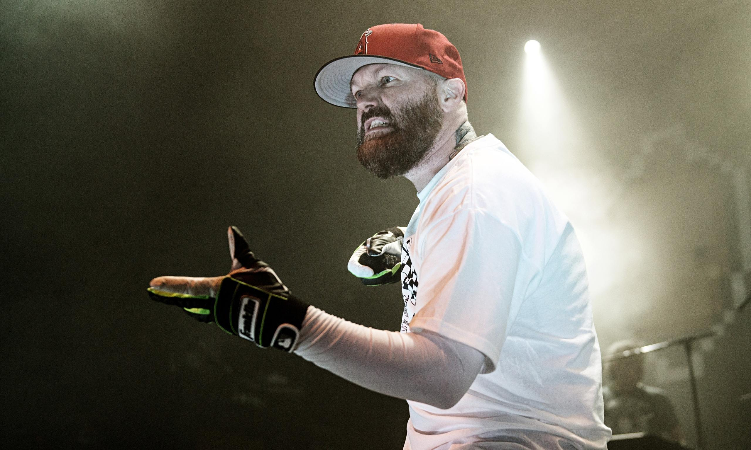fred durst rap core music fred durst fred durst cap wallpapers 2560x1536