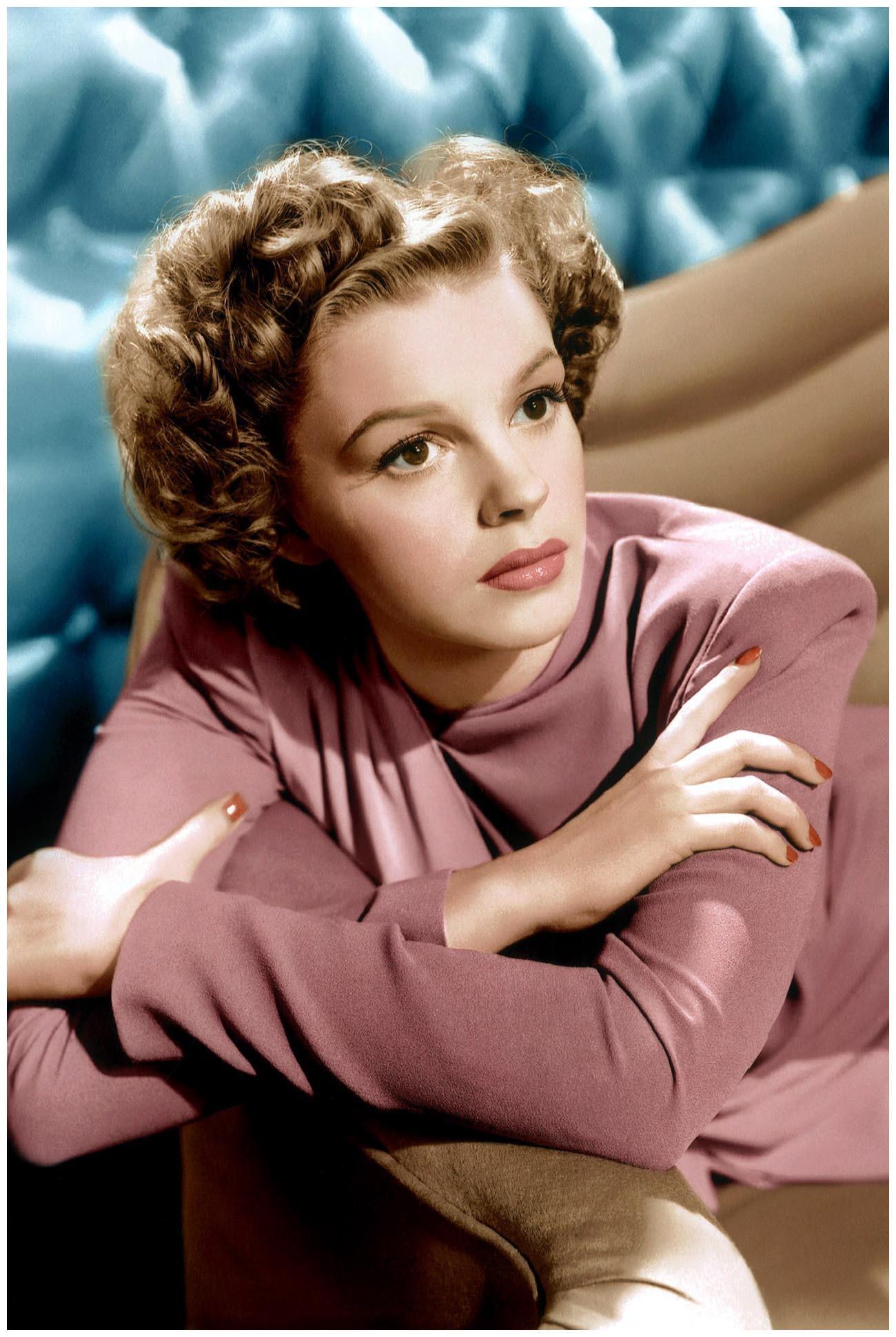 Judy Garland HD Wallpapers 7wallpapersnet 1300x1940