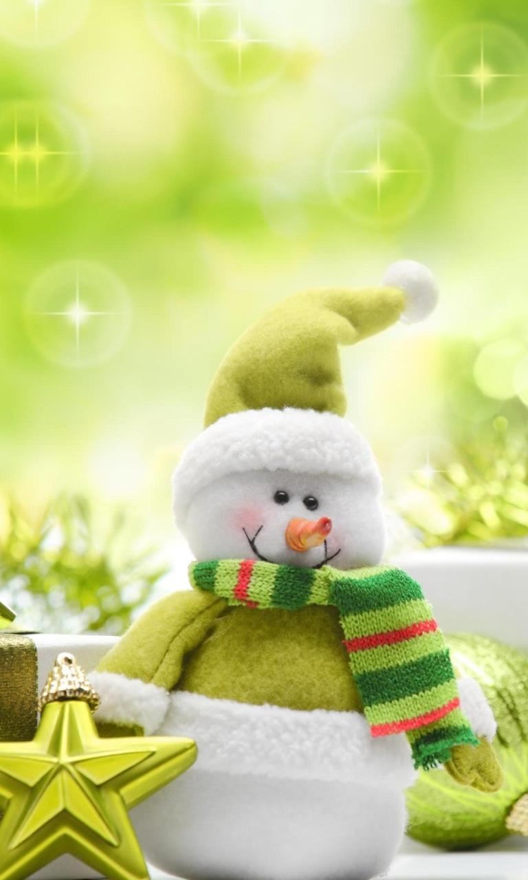 Cute Green Snowman 768x1280 windows phone wallpaper download 768x1280