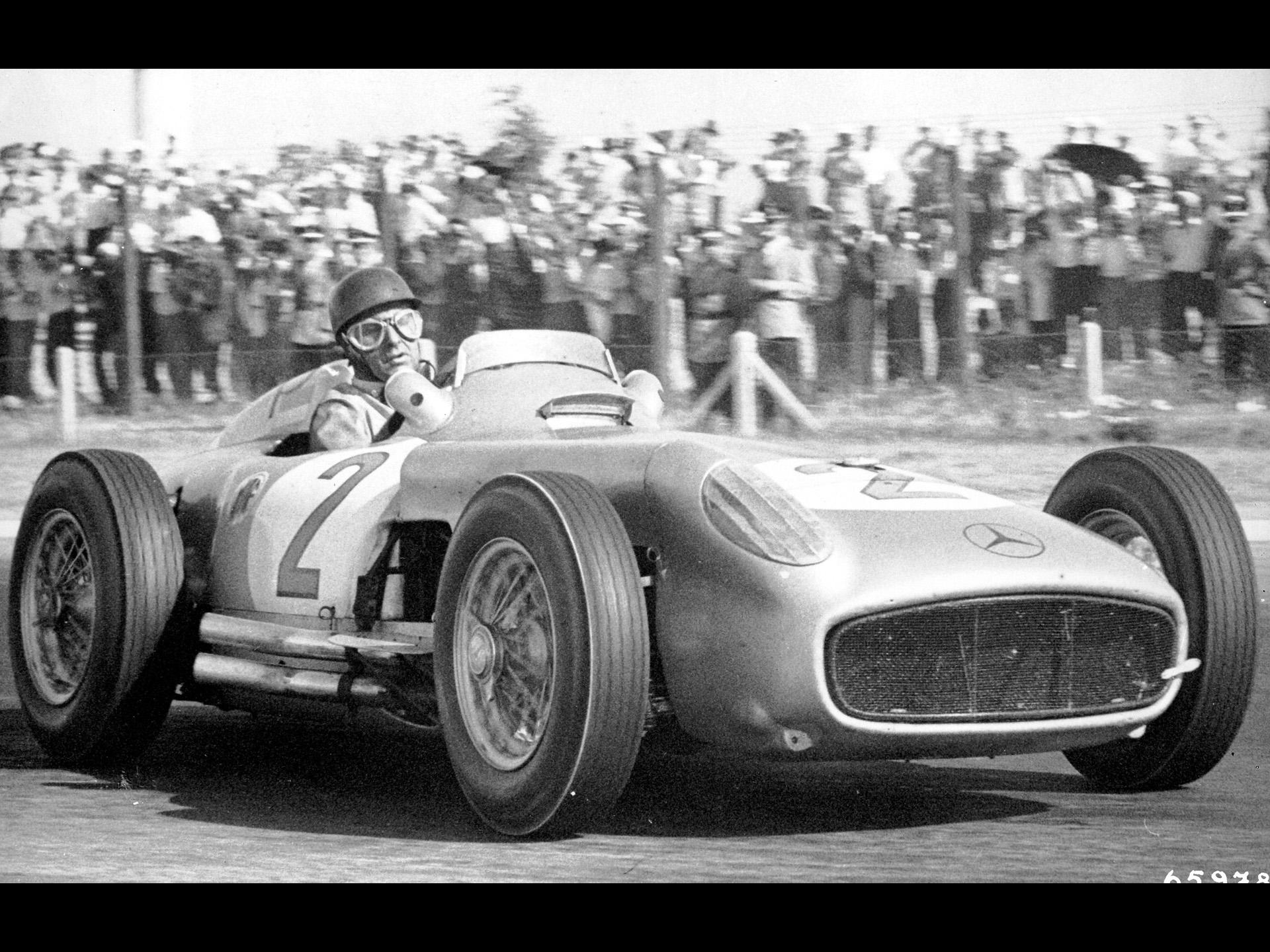Mercedes Benz and Juan Manuel Fangio   1955 Argentinean Grand Prix 1920x1440