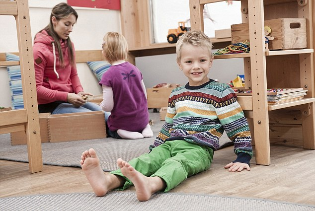 Girl Barefoot Feet Kids Children   Hot Girls Wallpaper 634x425