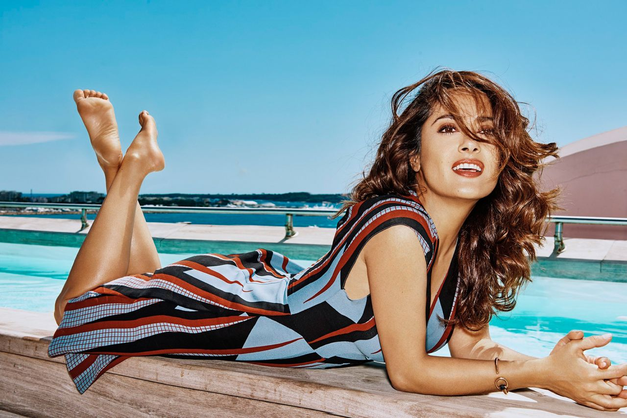 Download Salma Hayek   Photoshoot for Grazia Magazine Wallpaper HD 1280x854