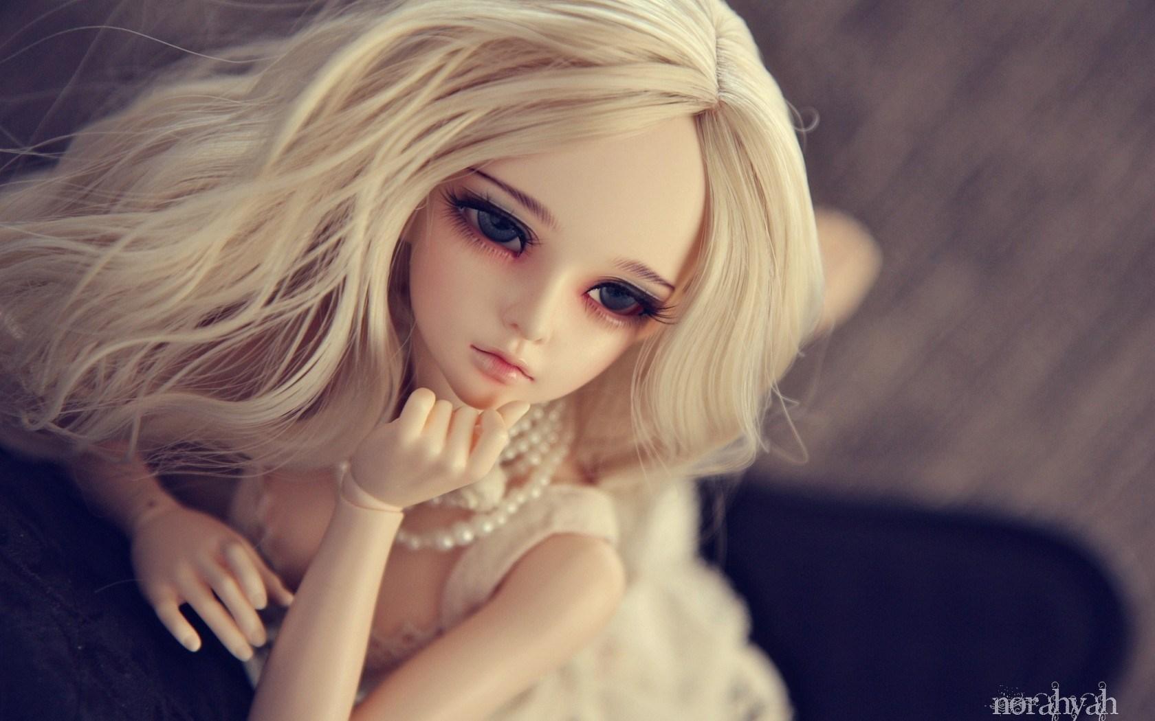 Beautiful Blonde Doll   Wallpaper High Definition High Quality 1680x1050