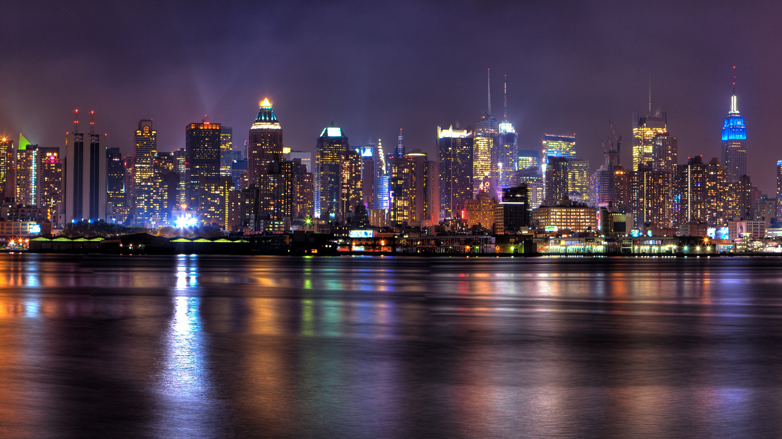 Free Download New York City Skyline At Night Wallpaper 1600x900