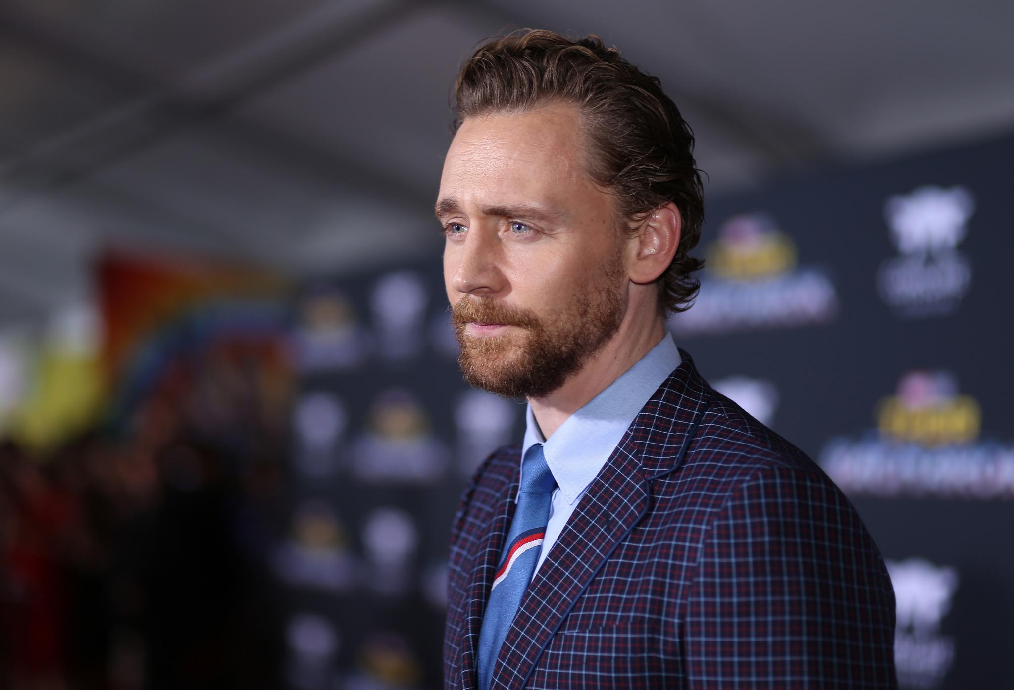 Tom Hiddleston   IMDb 2048x1394