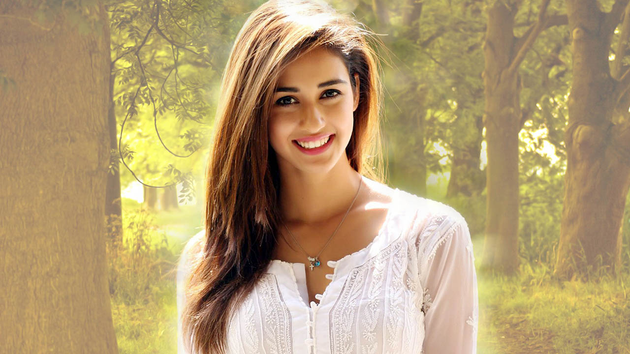 Disha Patani HD Wallpapers   Pics And Images  Wallsharpcom 1280x720