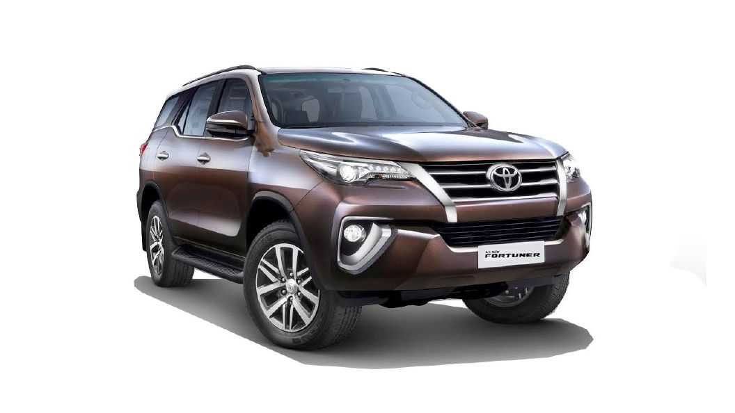 Toyota Fortuner Images Interior Exterior Photo Gallery   CarWale 1056x594