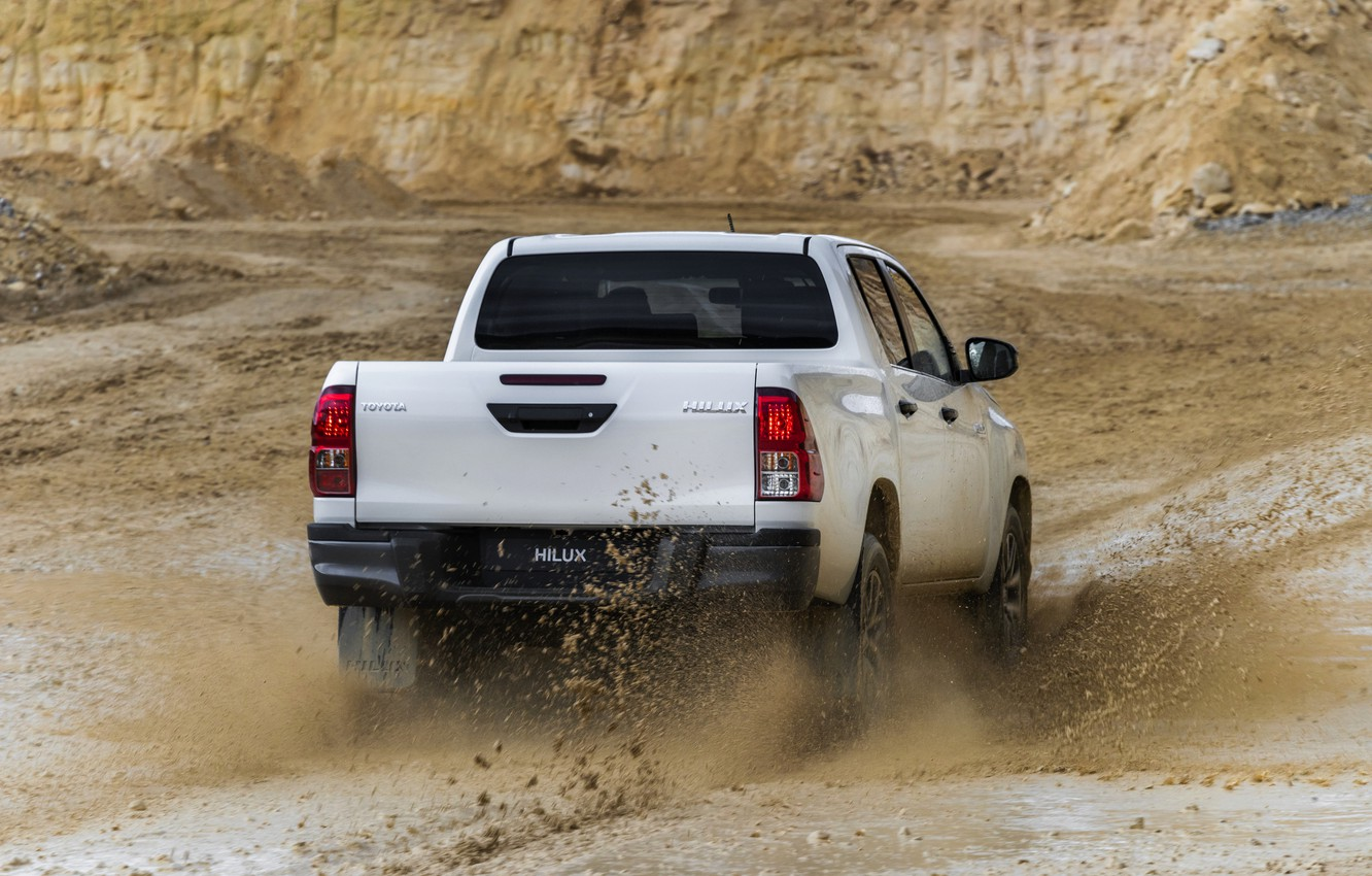 Wallpaper white squirt dirt back Toyota pickup Hilux 1332x850