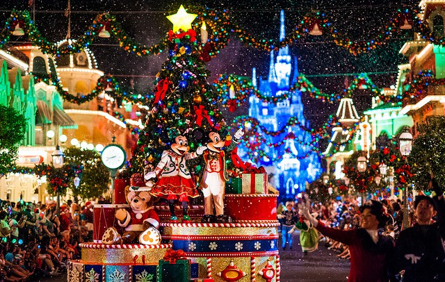 Mickeys Very Merry Christmas Party Already Sold Out Diswhizcom 640x406