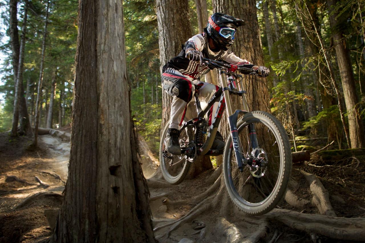 73 Downhill Mountain Bike Wallpaper On Wallpapersafari