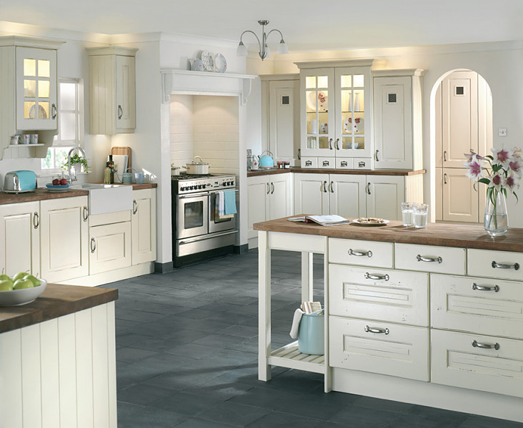 Wickes wallpaper range wallpapersafari for Wickes kitchen cupboards