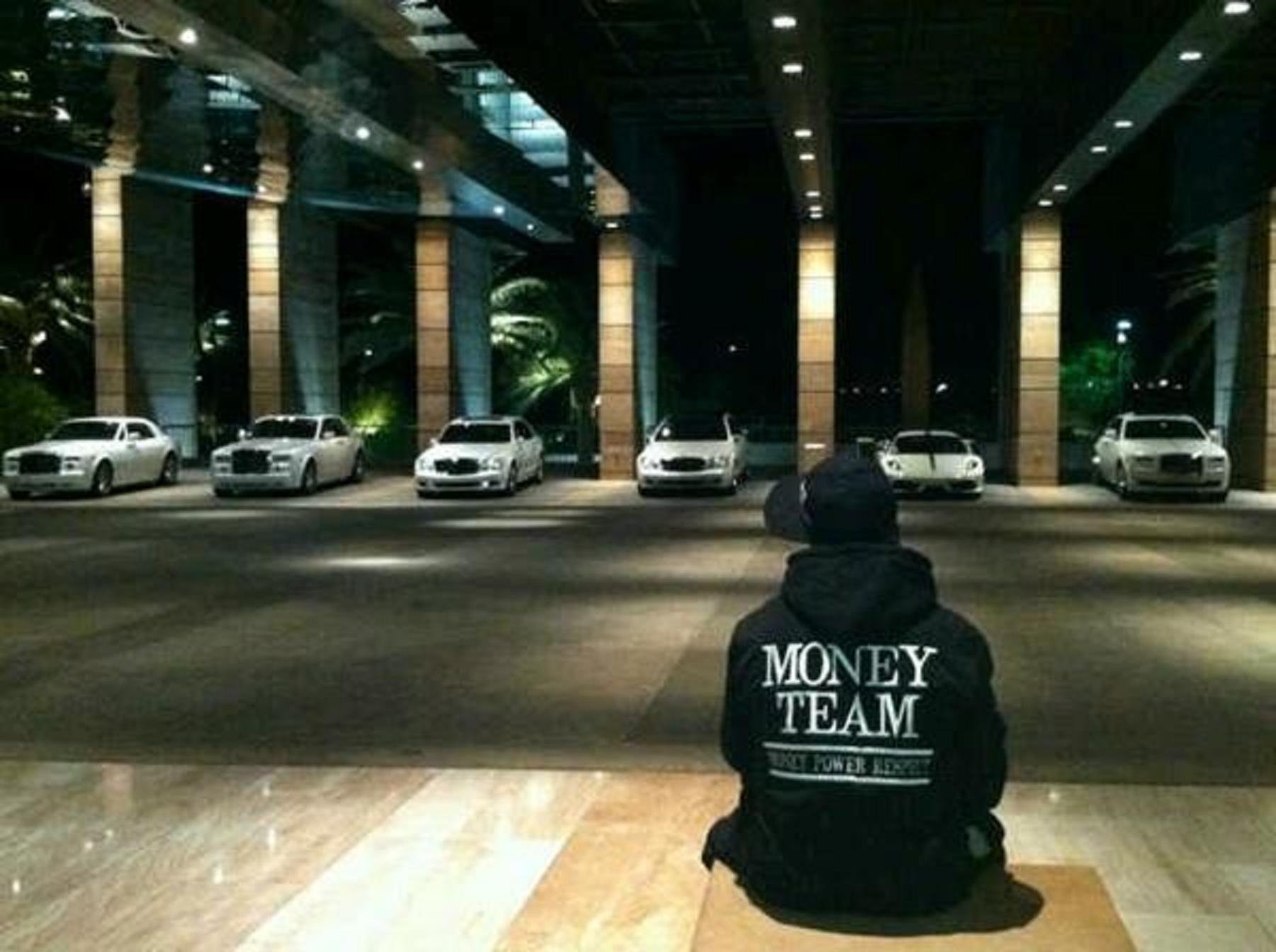 Anyone have a high resolution picture of this Money Team 1800x1344