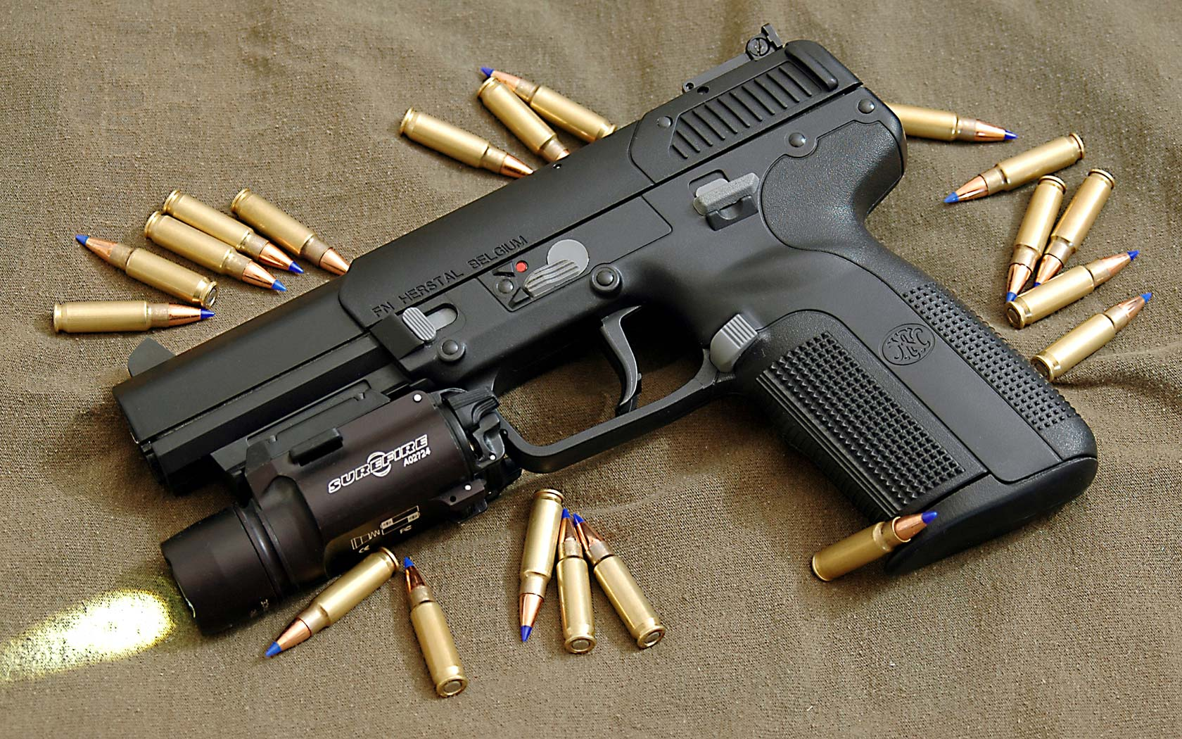FN Herstal Guns Lot 1680x1050
