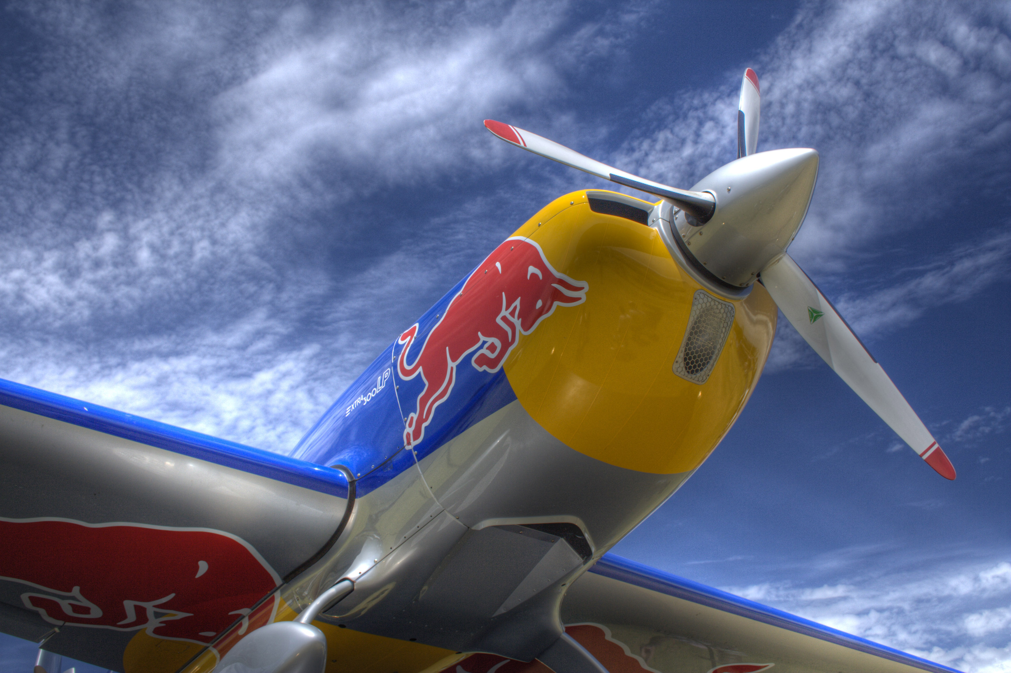 77 Red Bull Backgrounds On Wallpapersafari