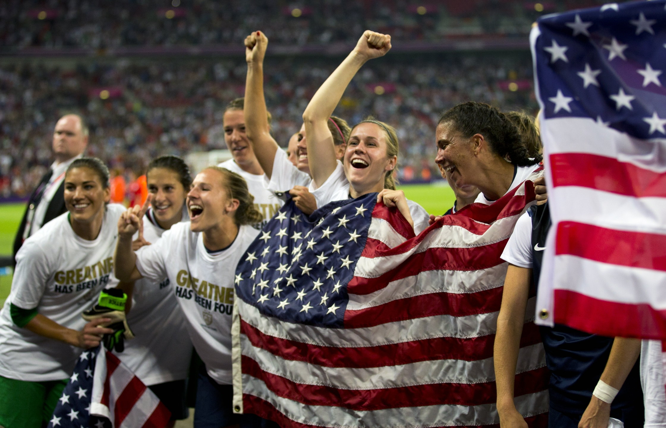 edges Japan to take third straight womens soccer gold 2241x1443