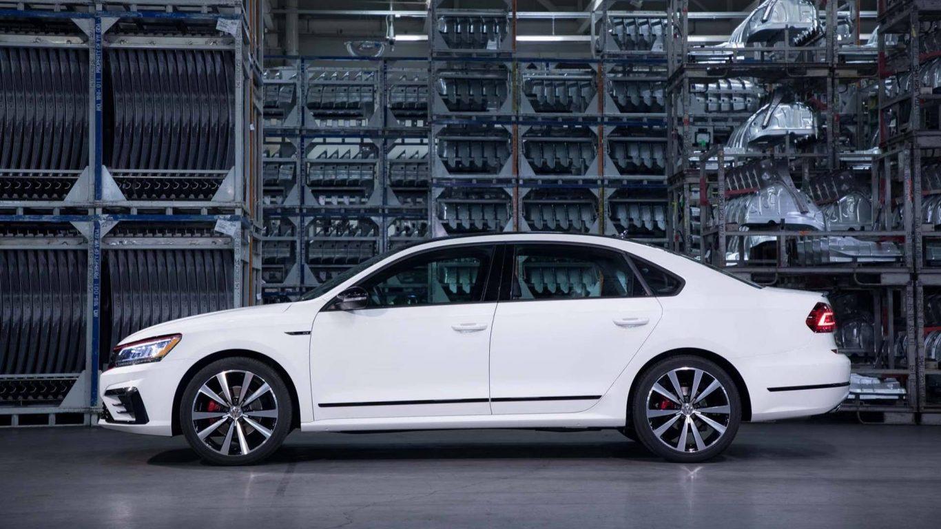 2019 Volkswagen Passat Front Wallpapers MootorAuthority 1366x768