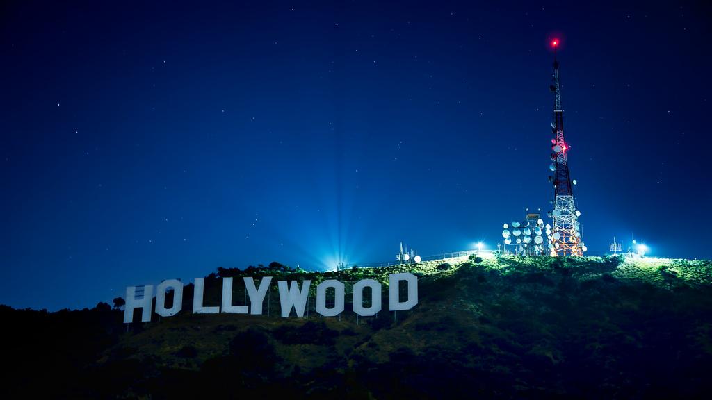 Hollywood Sign At Night Wallpaper Mt hollywood 1024x576
