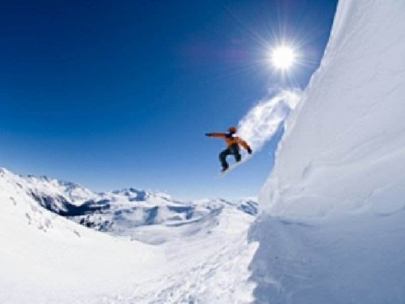 Hd snowboarding wallpaper snowboarder mountain snow wallpapers hd snowboarding wallpaper snowboard iphone voltagebd Image collections