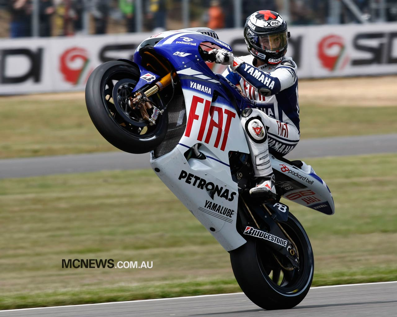 Jorge Lorenzo Jump Bike MotoGP Wallpaper Deskt 829 Wallpaper 1280x1024