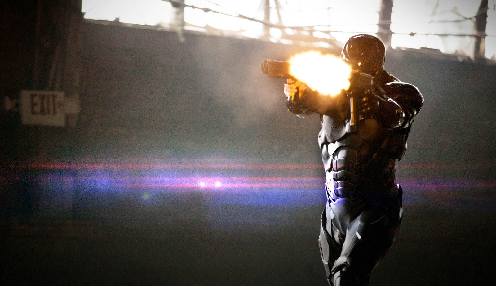 Robocop shooting Wallpaper HD 1600x922