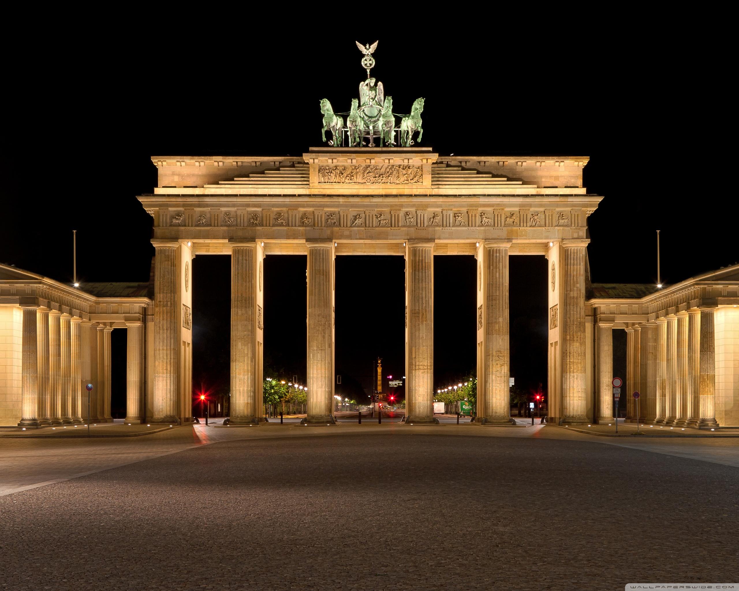 Brandenburg Gate 4K HD Desktop Wallpaper for 4K Ultra HD TV 2560x2048