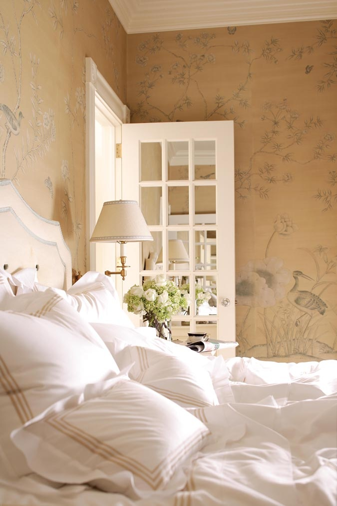 hand painted wallpaper and french door Luxurious Bedroom ideas Pi 675x1013