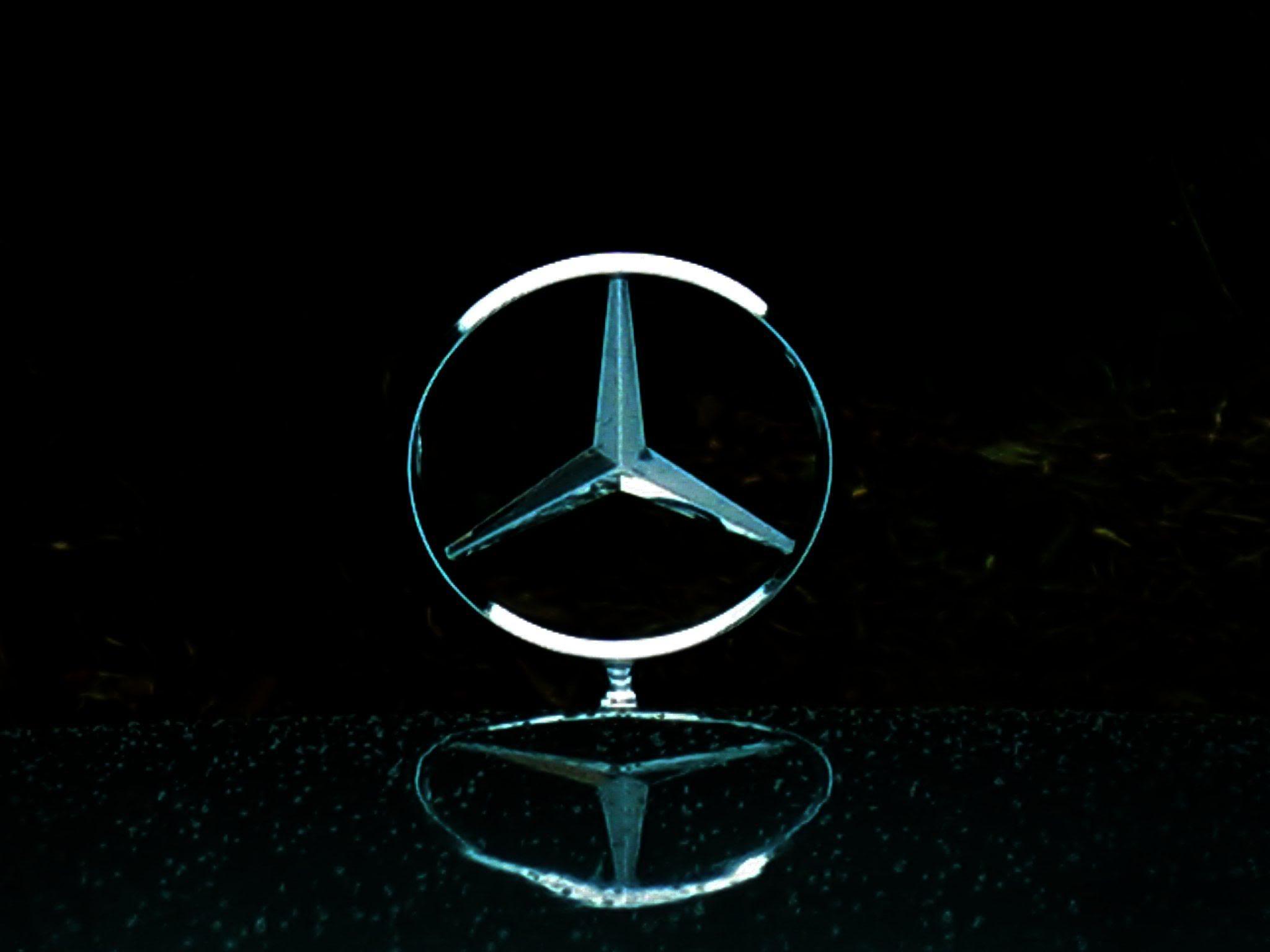 Mercedes Logo Wallpapers 2048x1536