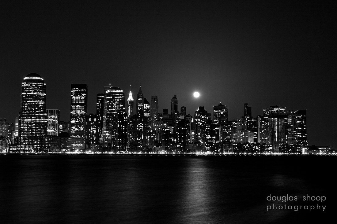New York City Skyline Night Black And White 1100x733 pixel City HD 1100x733