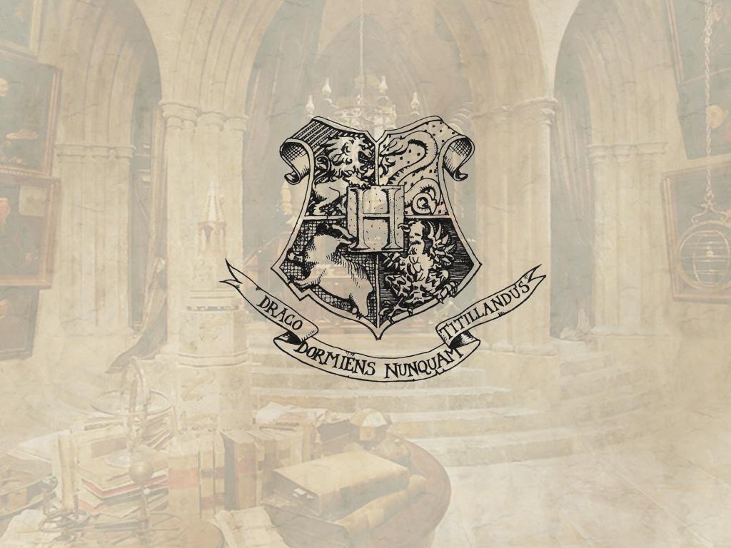Official Gryffindor Crest Wallpaper Harry potter wallpaper 1024x768