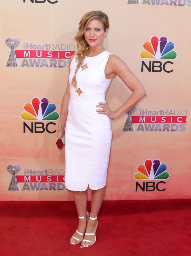 Brittany Snow 2015 iHeartRadio Music Awards  08   GotCeleb 662x888