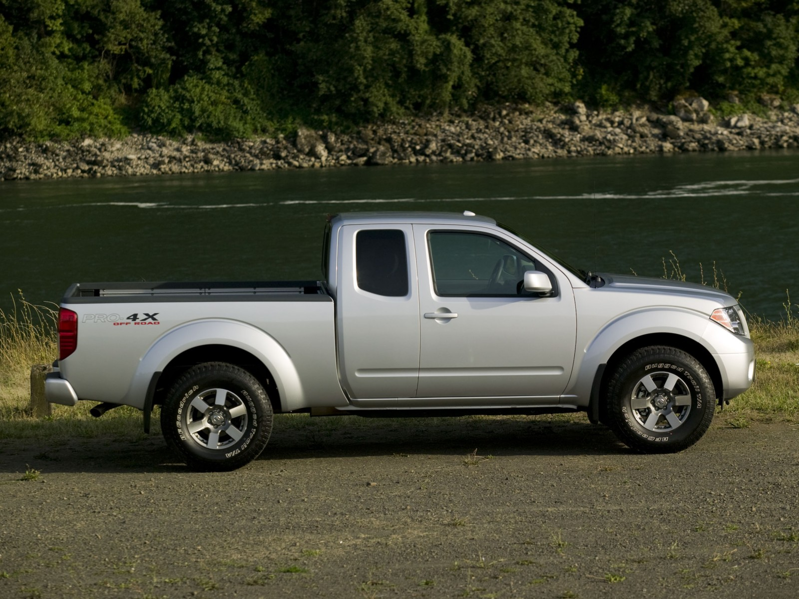 2009 nissan frontier pro 4x wallpapers pictures specifications