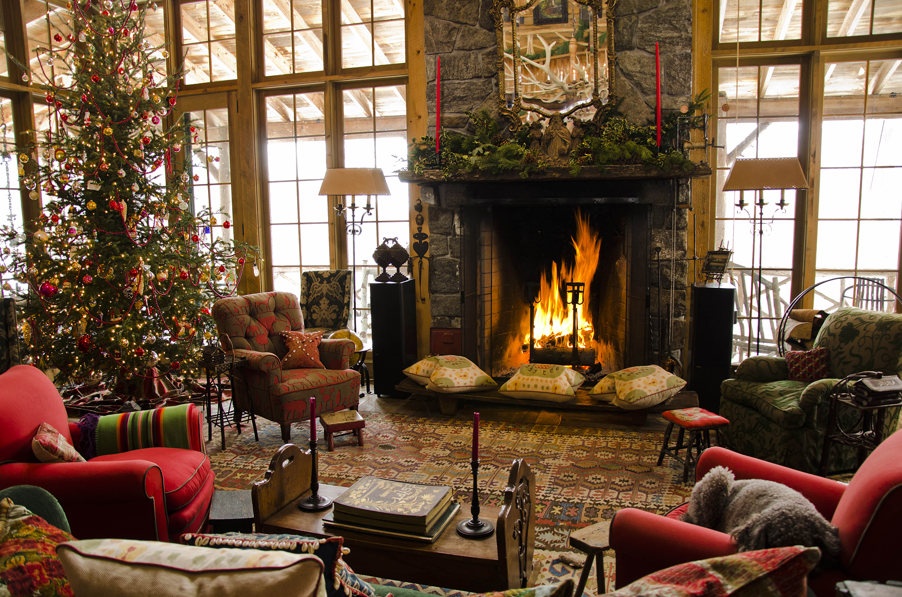 Christmas fireplace fire holiday festive decorations r wallpaper 1812x1200