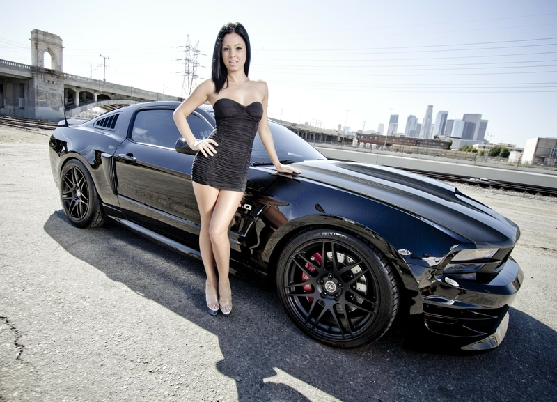 women cityscapes muscle cars ford mustang girls with cars ford mustang 800x577