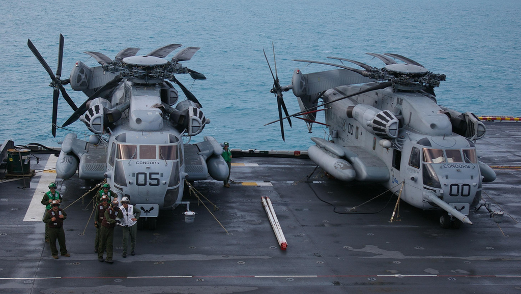 warship CH 53E super stallion helicopters wallpapers 1024x578