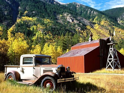 barn old truck my favourite Pinterest 500x375