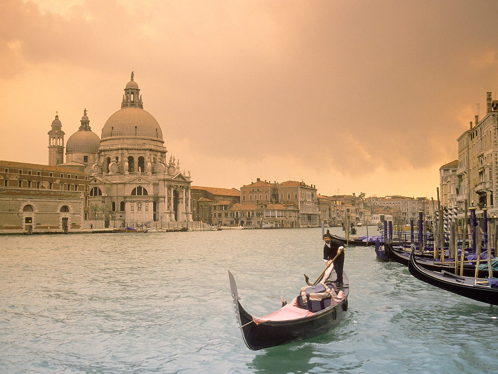 Grand Canal Venice Italy 1600 x 1200 Locality Photography 1600x1200
