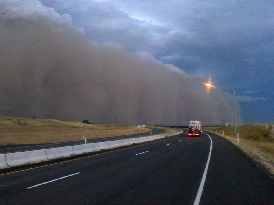 First person Haboob I ran for my pickup Limbs ripped from 920x690